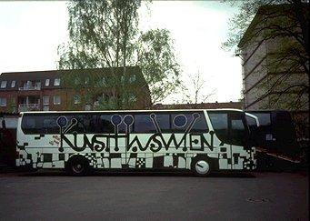 Original Friedensreich Hundertwasser Bus