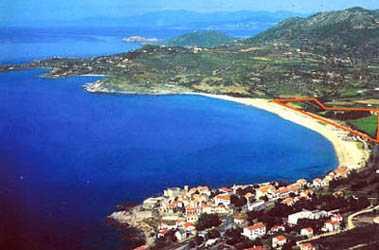 Küste mit Zeltplatz