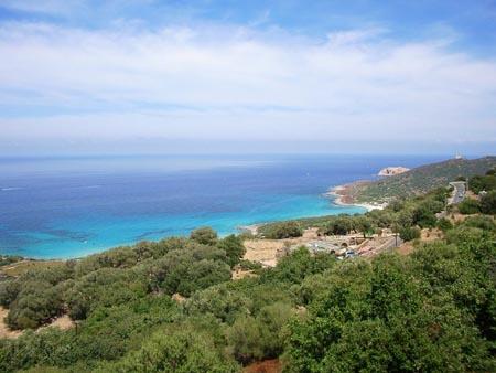 Foto: Till Beck; Korsika - Blick aufs Meer von der Steilküste